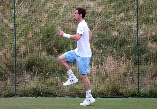 Andy Murray battles past Benoit Paire at Wimbledon