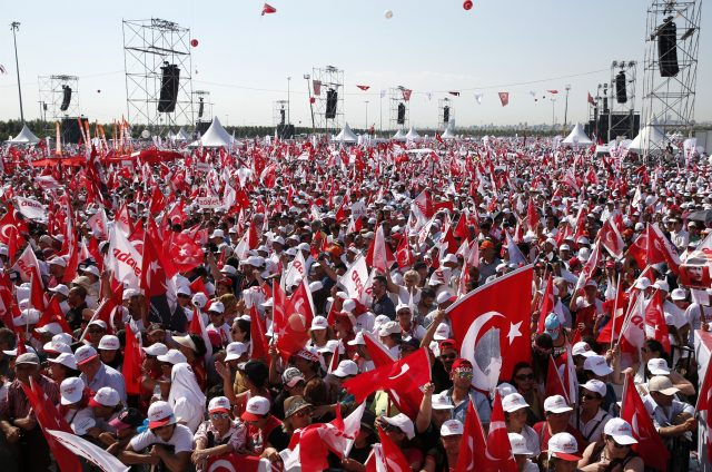 Rally in Istanbul as CHP leader completes 400-kilometer march from Ankara
