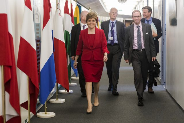 Nicola Sturgeon to meet EU's Brexit negotiator Michel Barnier