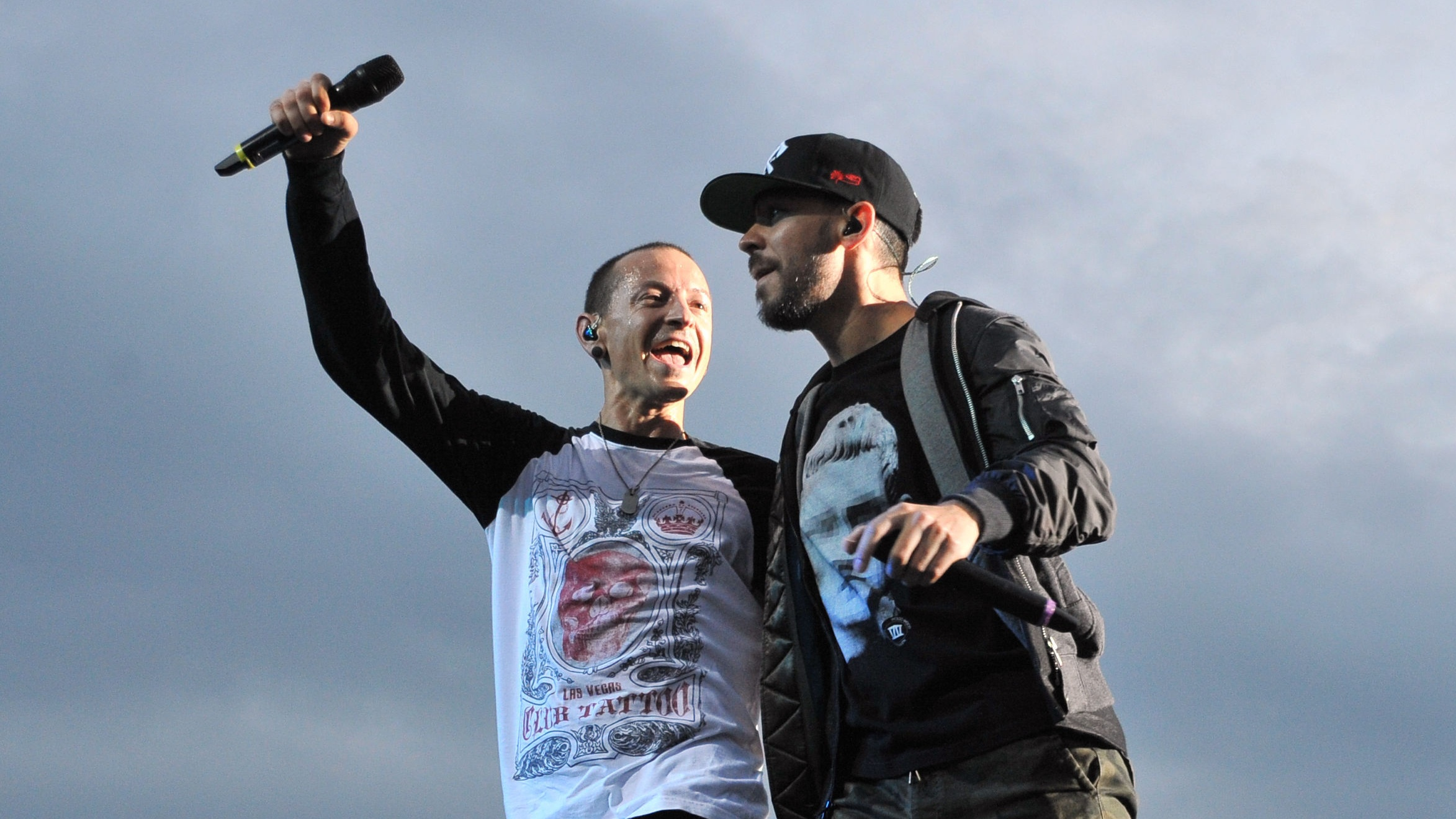 Mike Shinoda and Chester Bennington (PA)