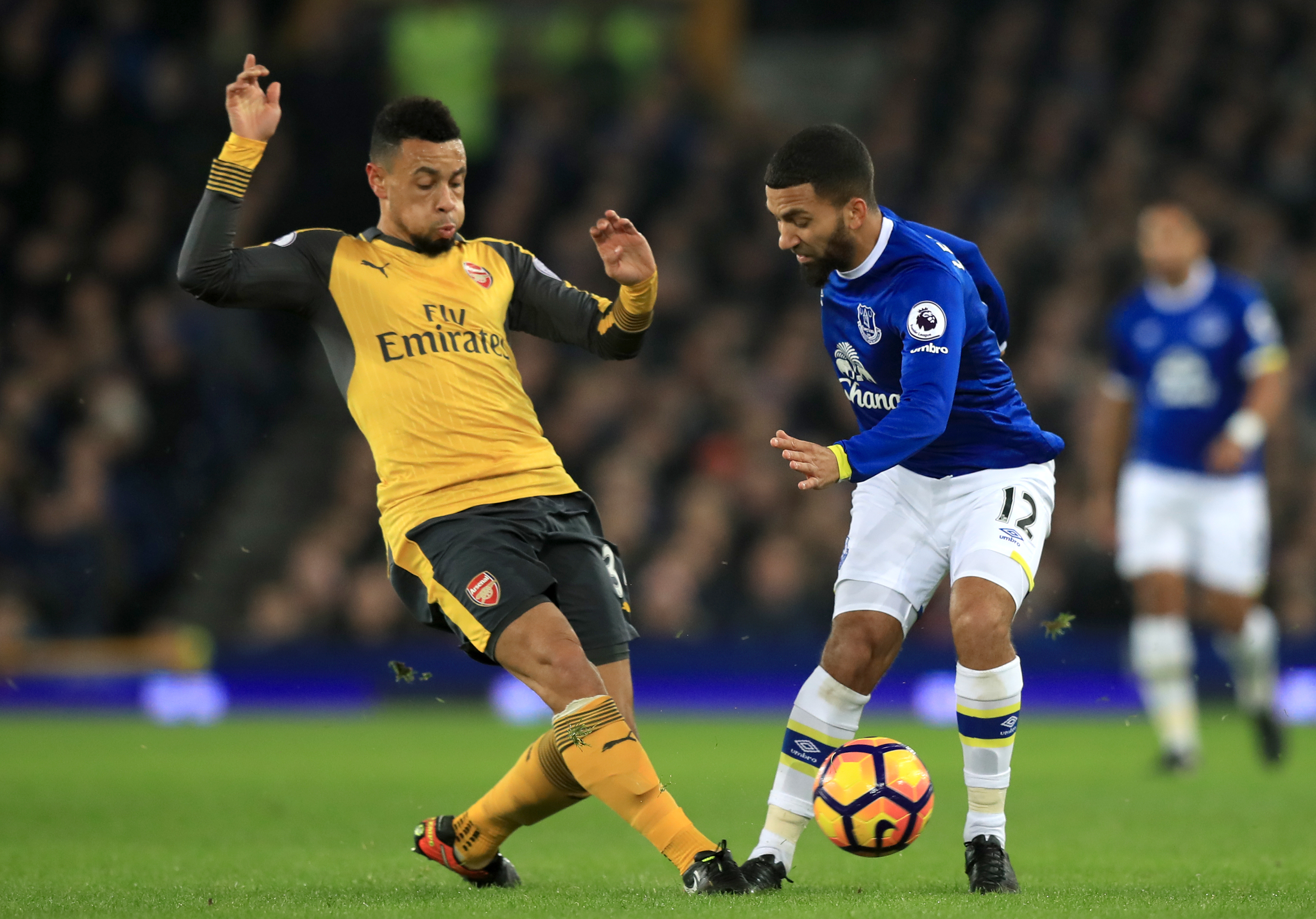 Arsenal's Francis Coquelin and Everton's Aaron Lennon