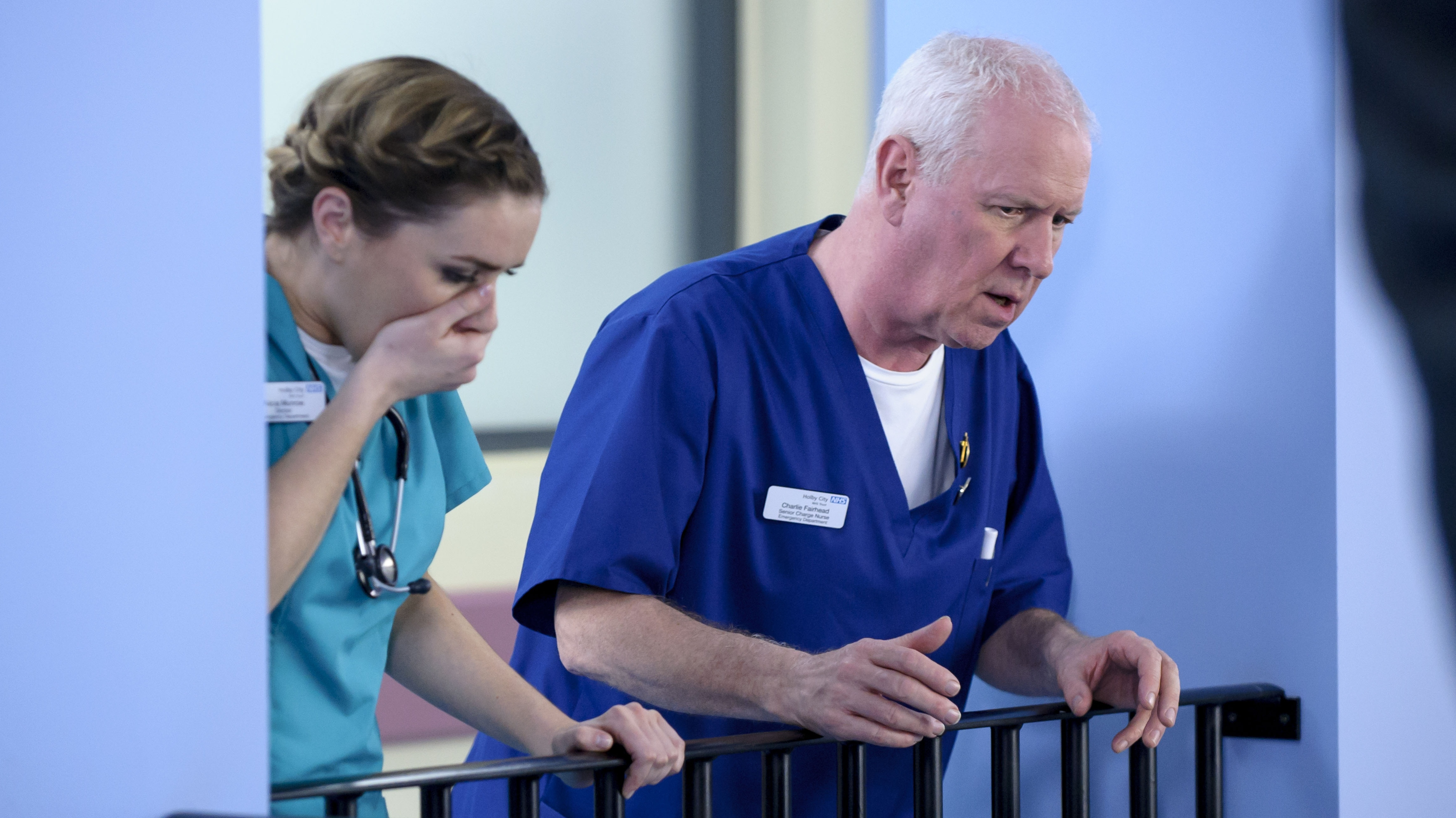 viewers back cathy shipton s support of casualty star derek thompson