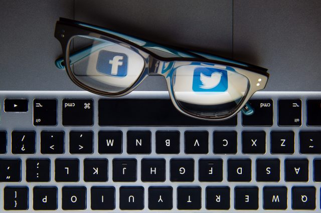The campaign suggests noting how much time is spent online. ((Dominic Lipinski/PA))