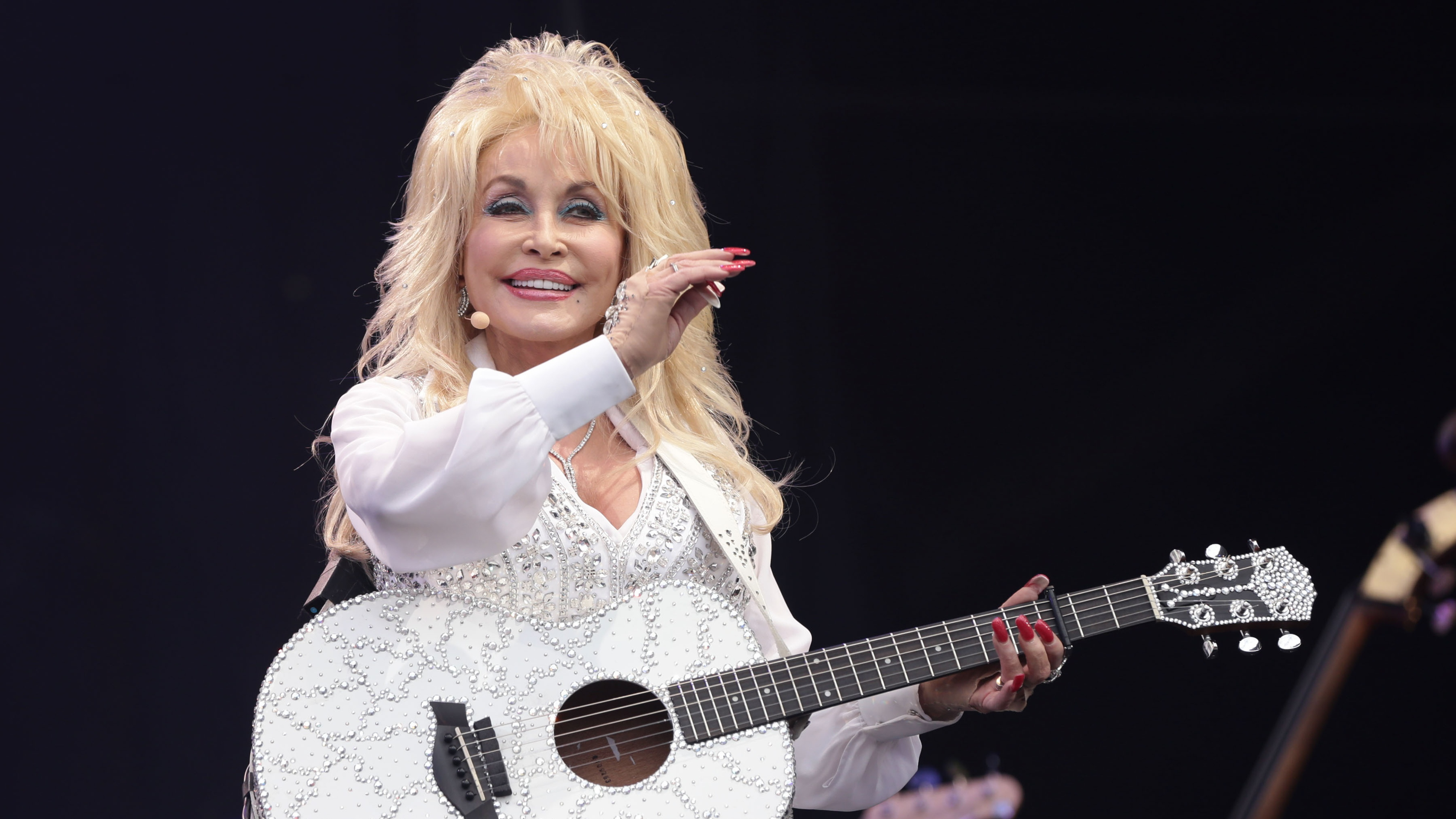Dolly Parton to read CBeebies bedtime story
