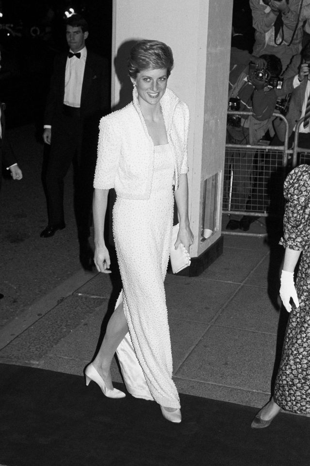 Diana arriving at the Royal Albert Hall where she presented the British Fashion Awards in 1989