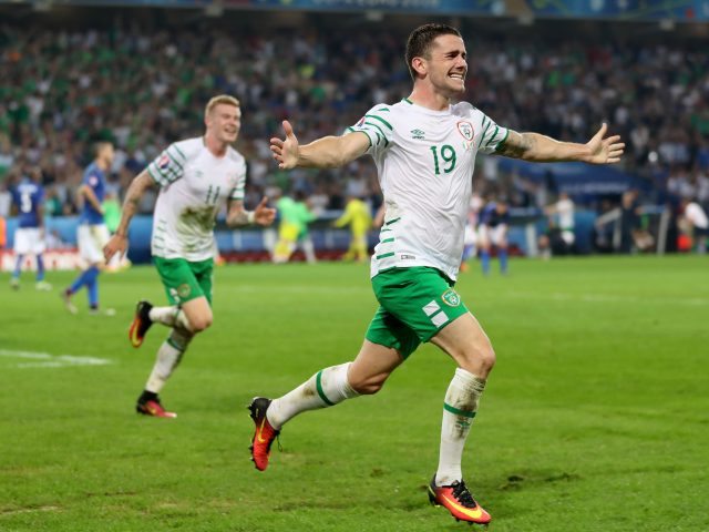 Republic of Ireland's Robbie Brady celebrates scoring his side's first goal of the game during Euro 2016