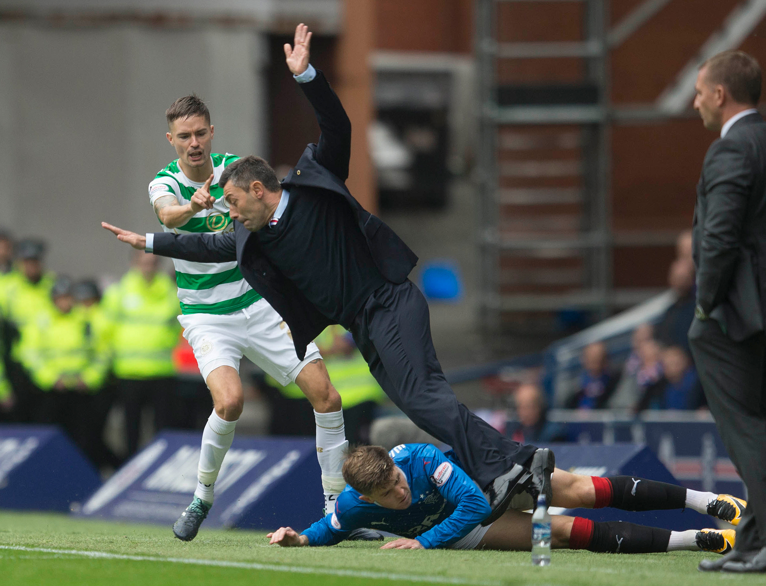 The awks moment Pedro Caixinha was inadvertently tackled by his
