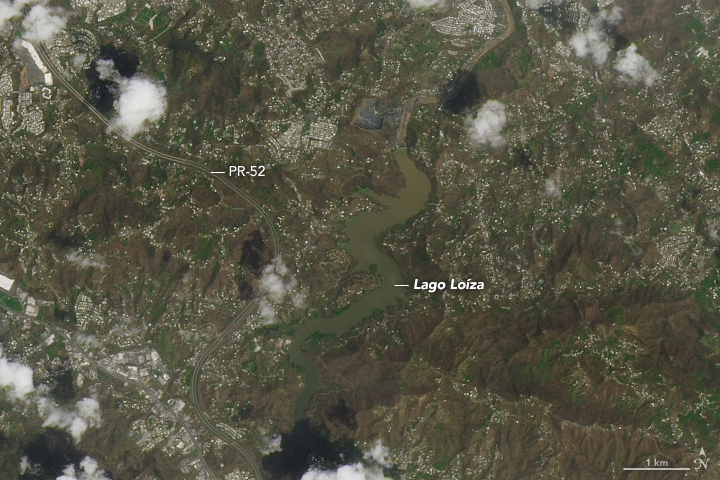 Part of Puerto Rico after Hurricane Maria, the area around the Lago Loíza reservoir, south of San Juan and north of Caguas (Nasa Earth Observatory)