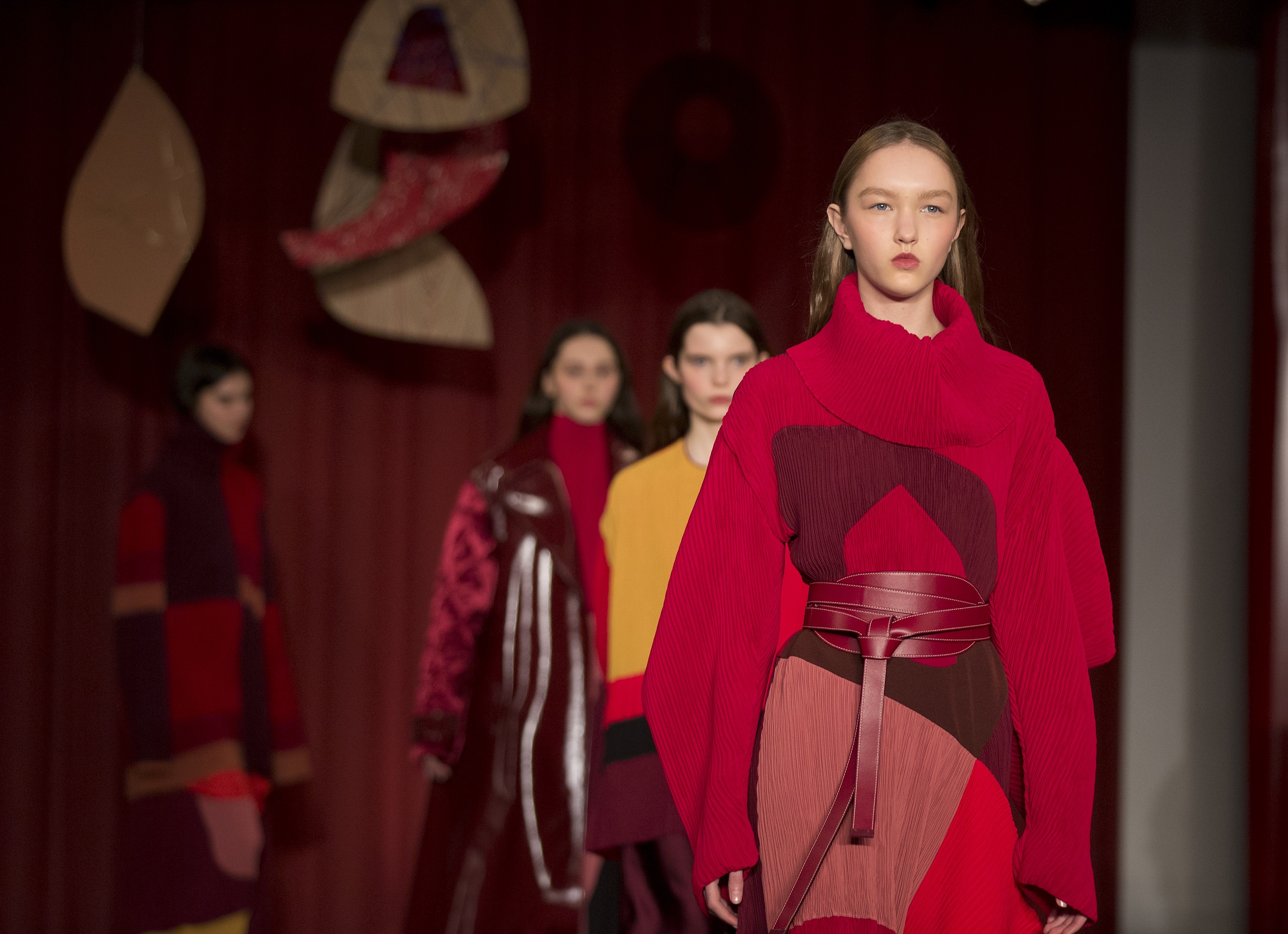 Models during the Roksanda Autumn/Winter 2017 London Fashion Week show at Surrey Street, London. PRESS ASSOCIATION. Picture date: Monday February 20, 2017