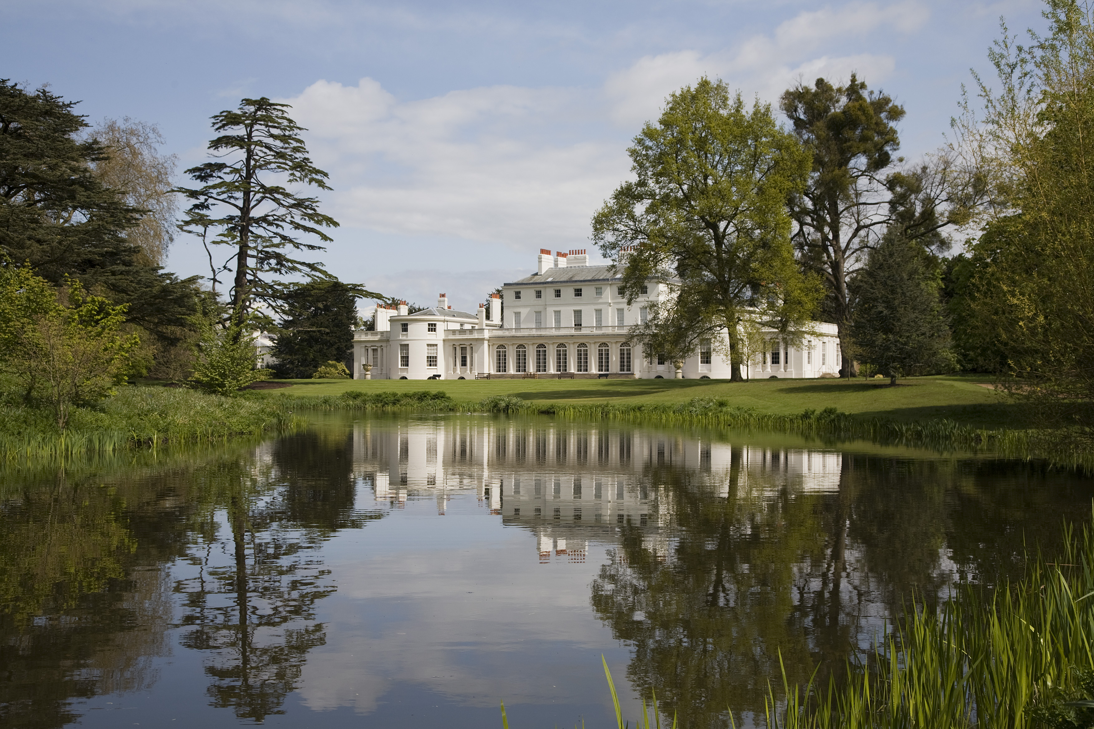 The programme will explore Frogmore House and Gardens.