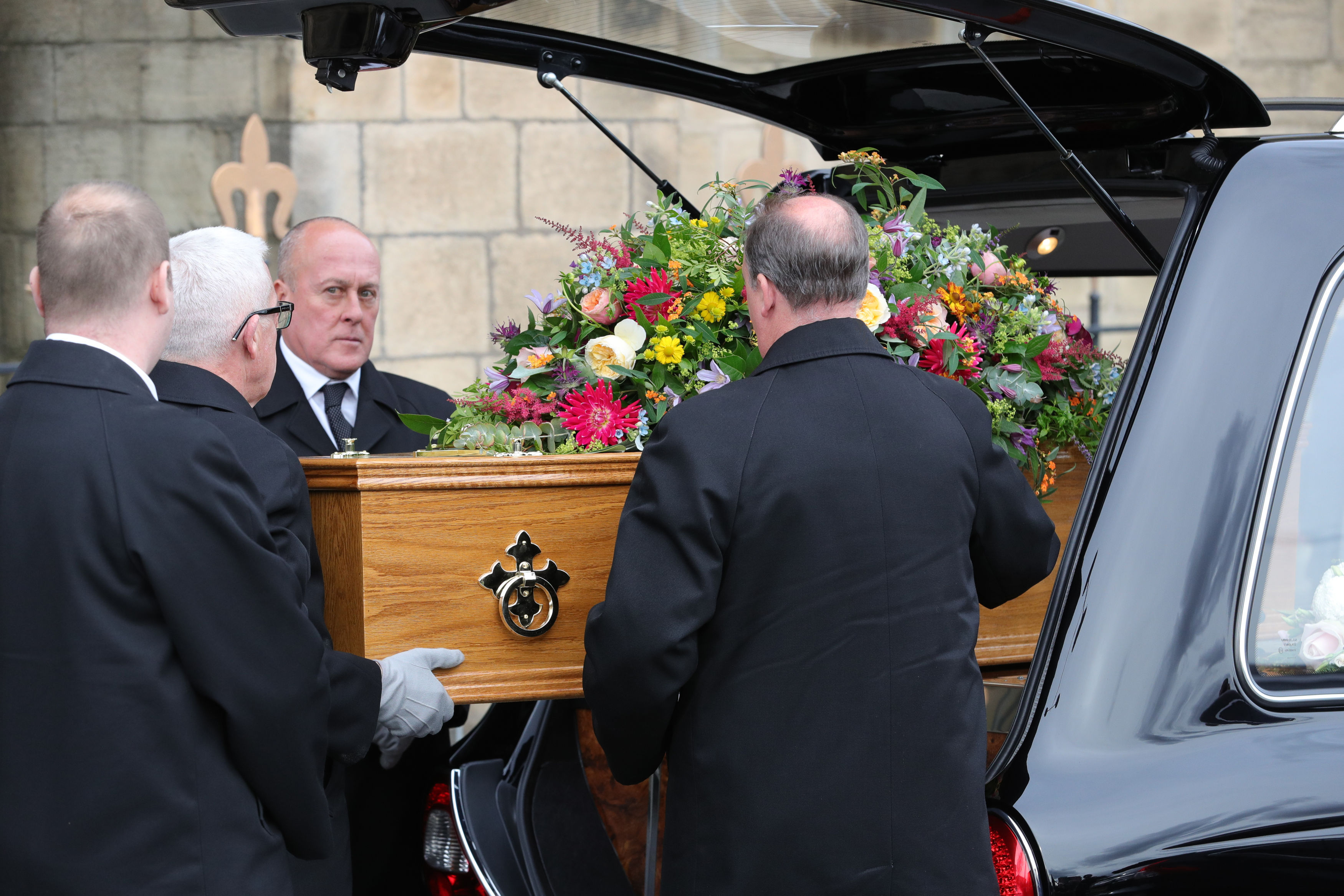 A hearse carrying the coffin of Coronation Street actress Liz Dawn, arrives at Salford Cathedral for her funeral service