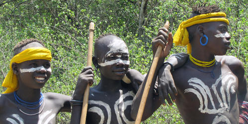 Children of the Ethiopian Mursi tribe who have similar gene types to some south Asian populations (Alessia Ranciaro/Simon Thompson)