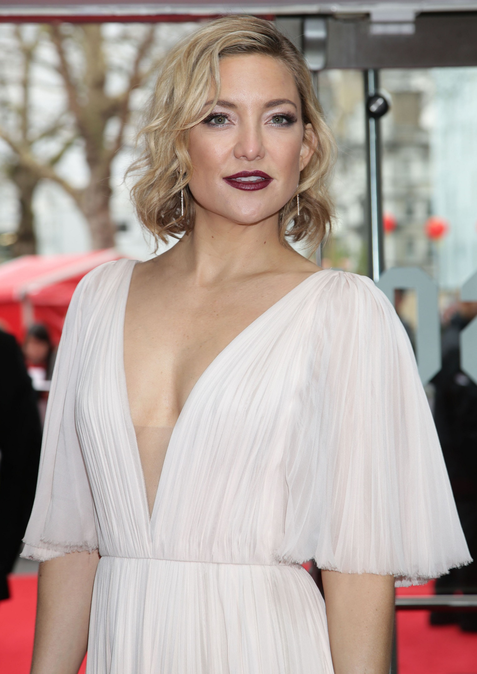 Kate Hudson: I wanted to individuate from my famous mother ... Kate Hudson