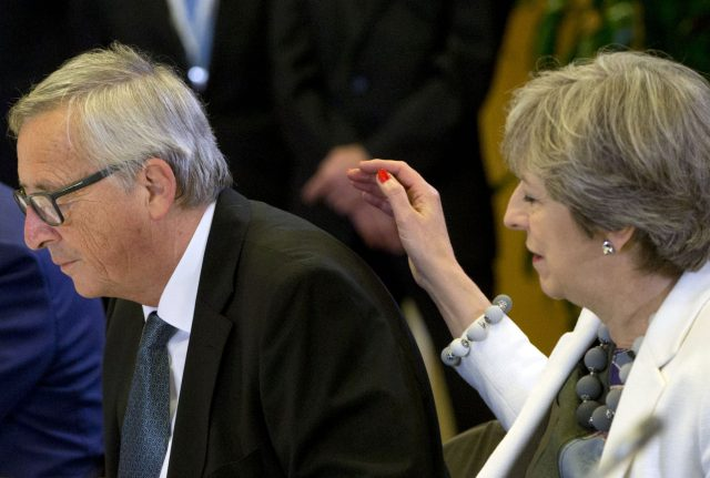Theresa May and Jean-Claude Junkcer