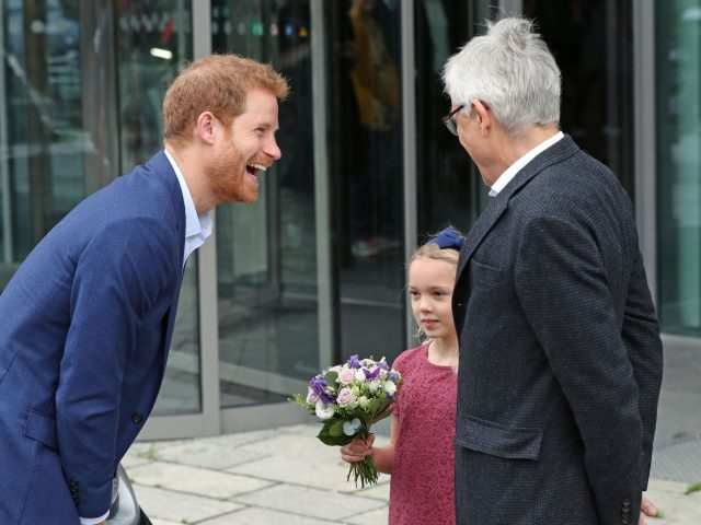 Harry is greeted at the Orestad Gymnasium
