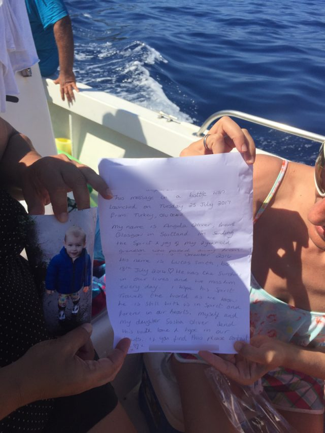 A note Angela Oliver threw in the sea, found by Emel Safoglu (Collect/PA Real Life)