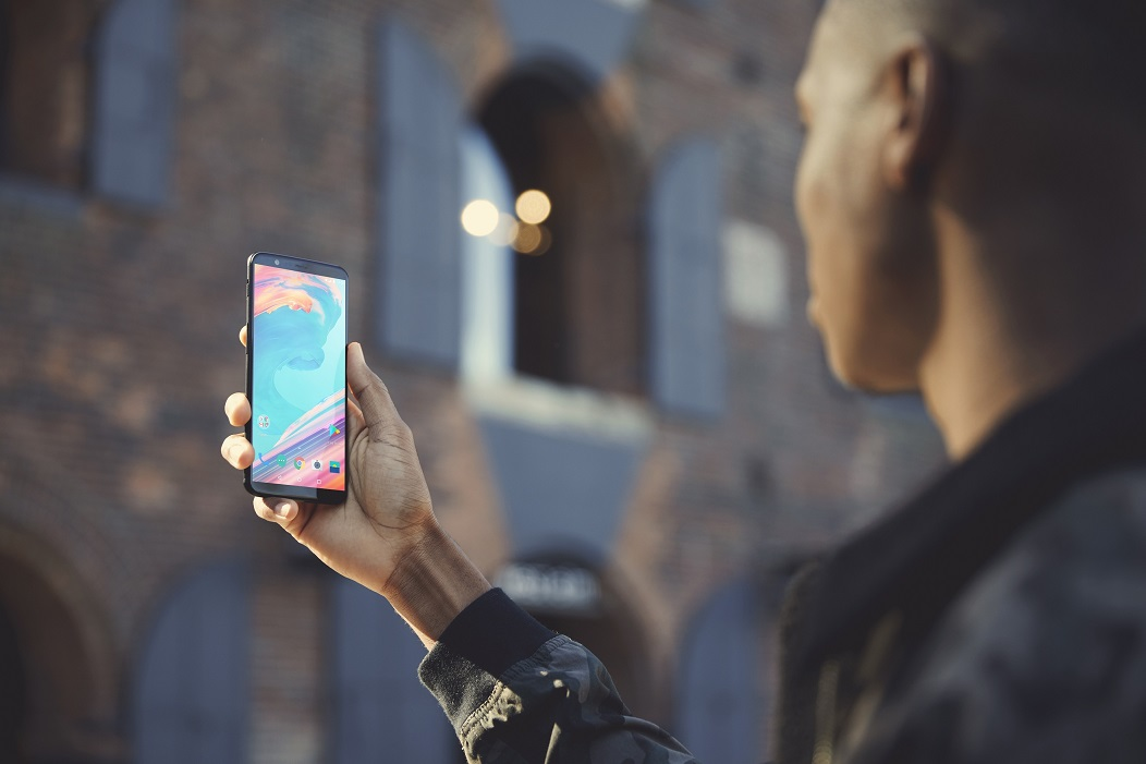 OnePlus 5T Goes Official with a 6-inch Edge-to-Edge Panel and Face Unlock Feature