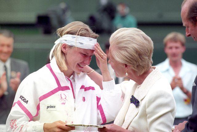 Legendary Wimbledon champion Jana Novotna dies aged 49