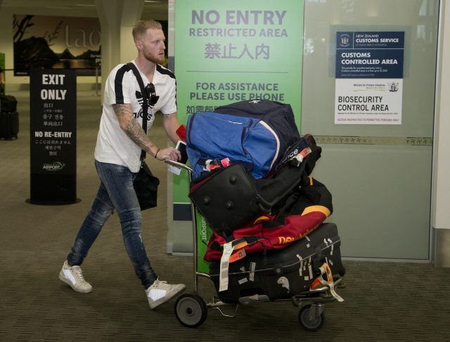 Photo of Ben Stokes at Heathrow Airport sends cricket fans into meltdown