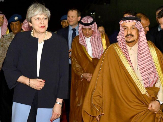 Prime Minister Theresa May with Saudi King Salman in Riyadh