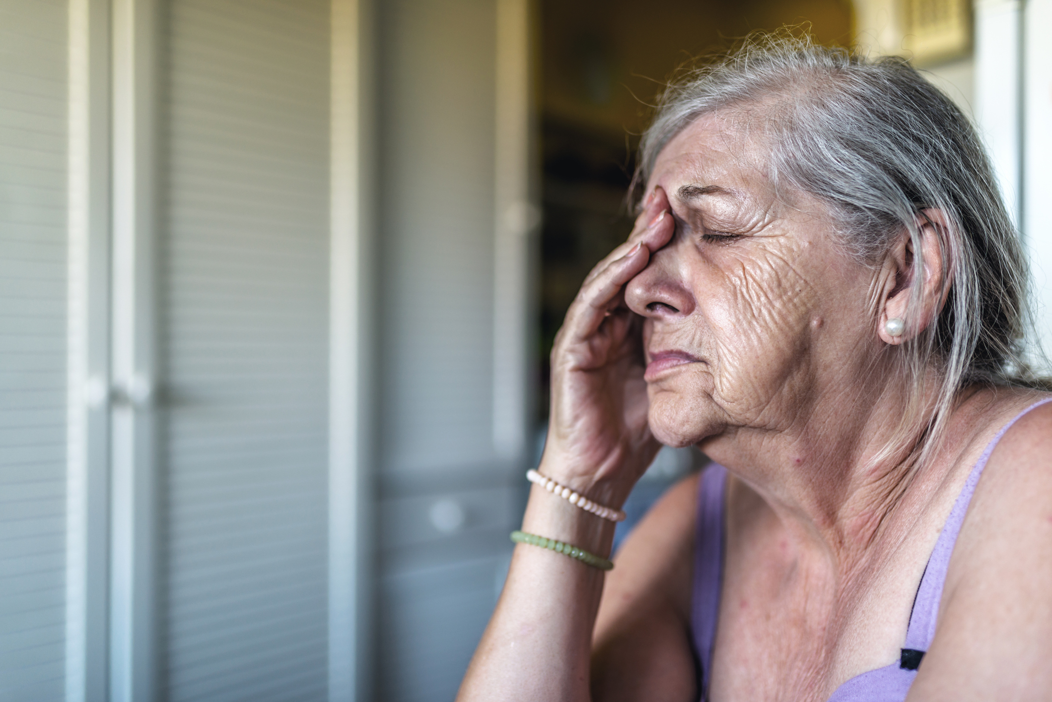 Elderly woman looking distressed (Thinkstock/PA)