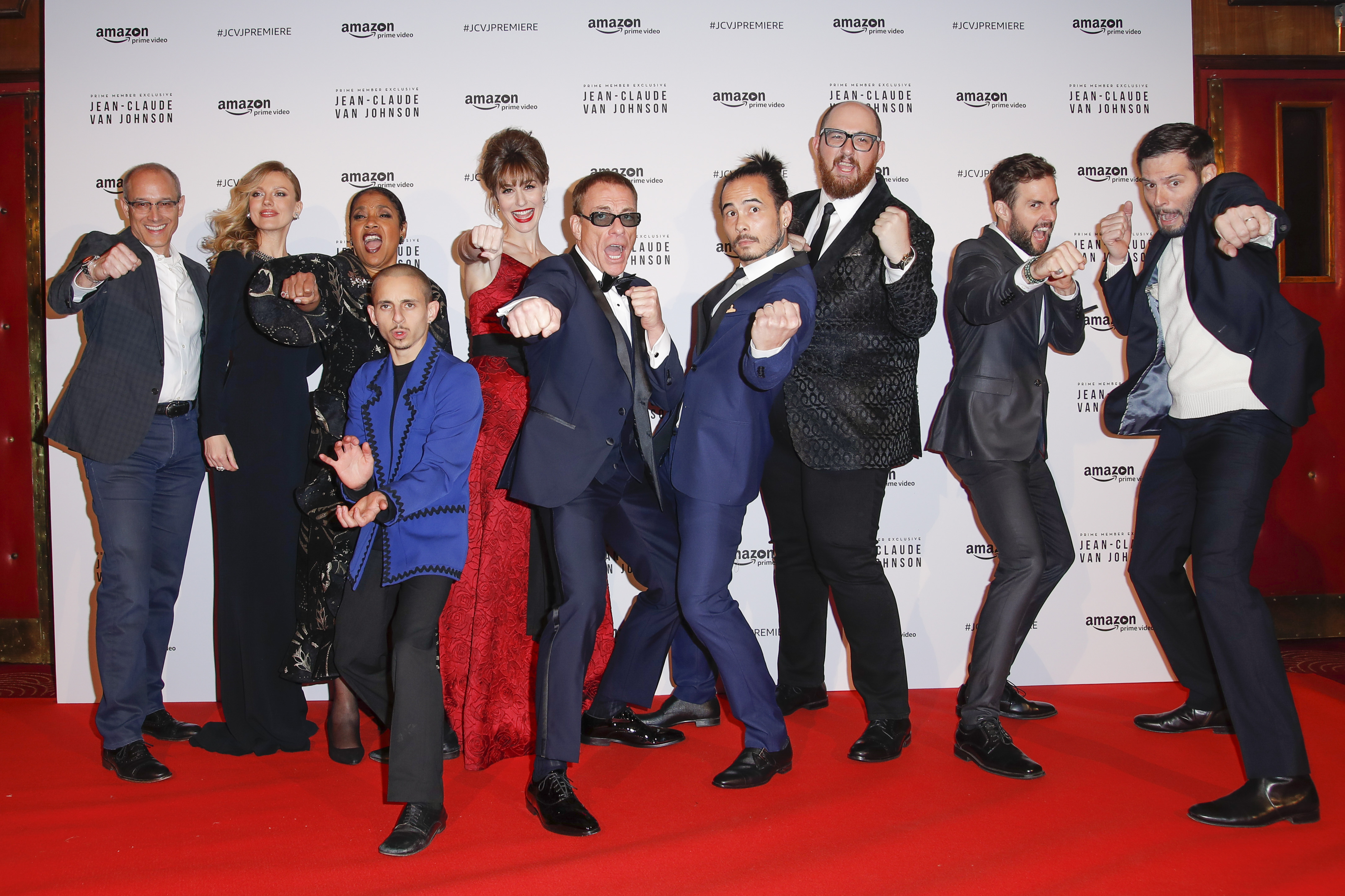The cast, writers and director (Andre Mischke)
