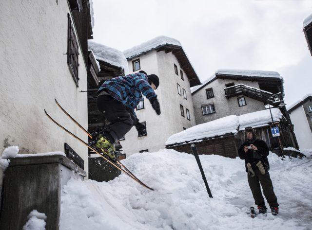 Young skiers enjoy the snow in Zermatt (Leander Wenger/Keystone via AP)