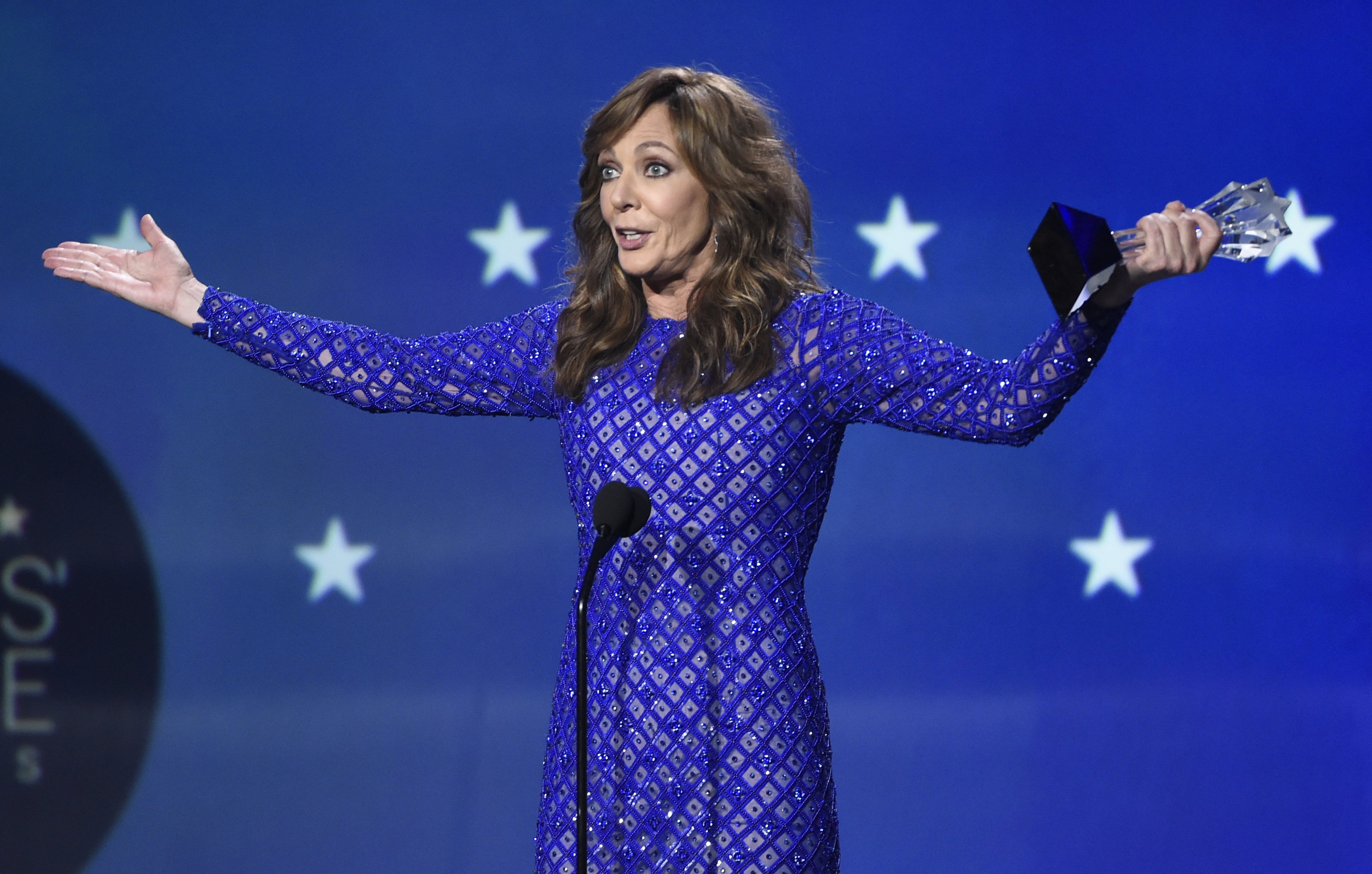 Allison Janney accepts the award for best supporting actress (Chris Pizzello/Invision/AP)