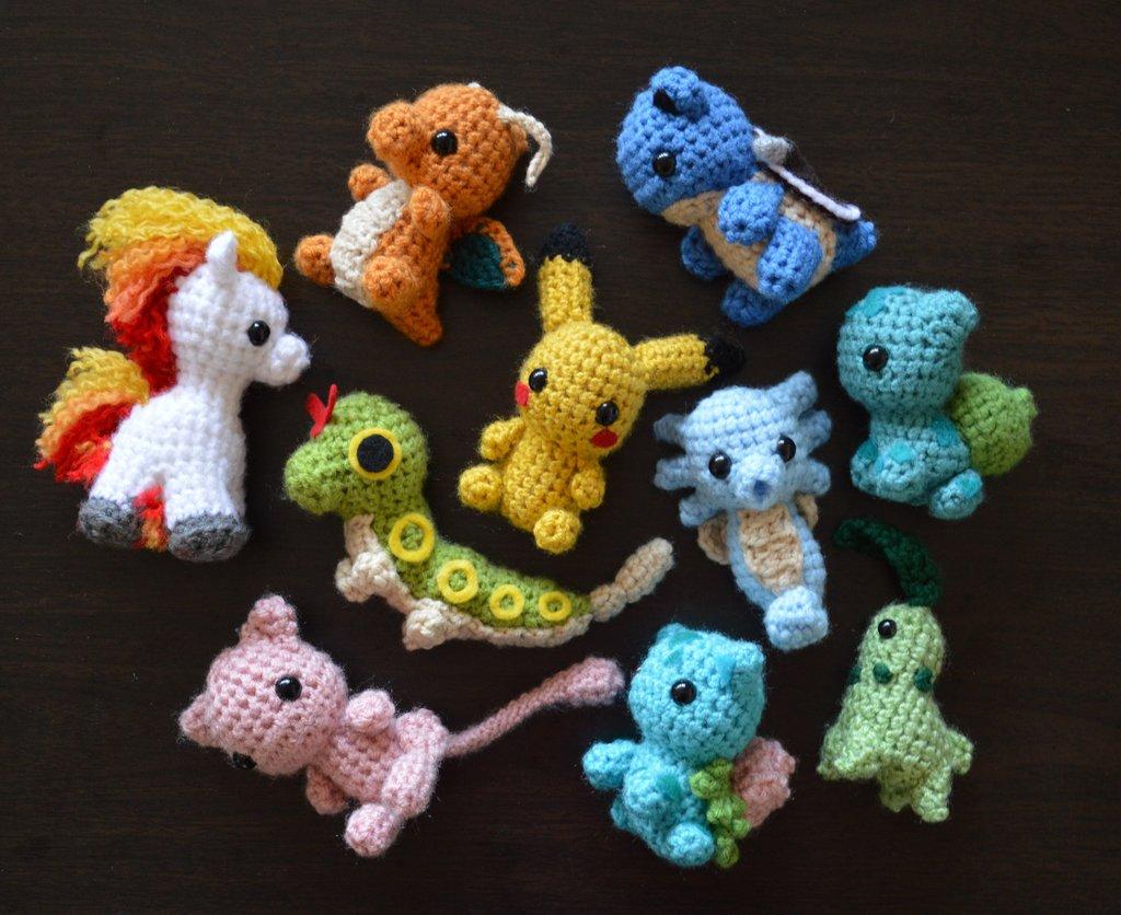 Crochet Pokemon Froakie Pattern - Amigurumi Crochet Characters ... | 836x1024
