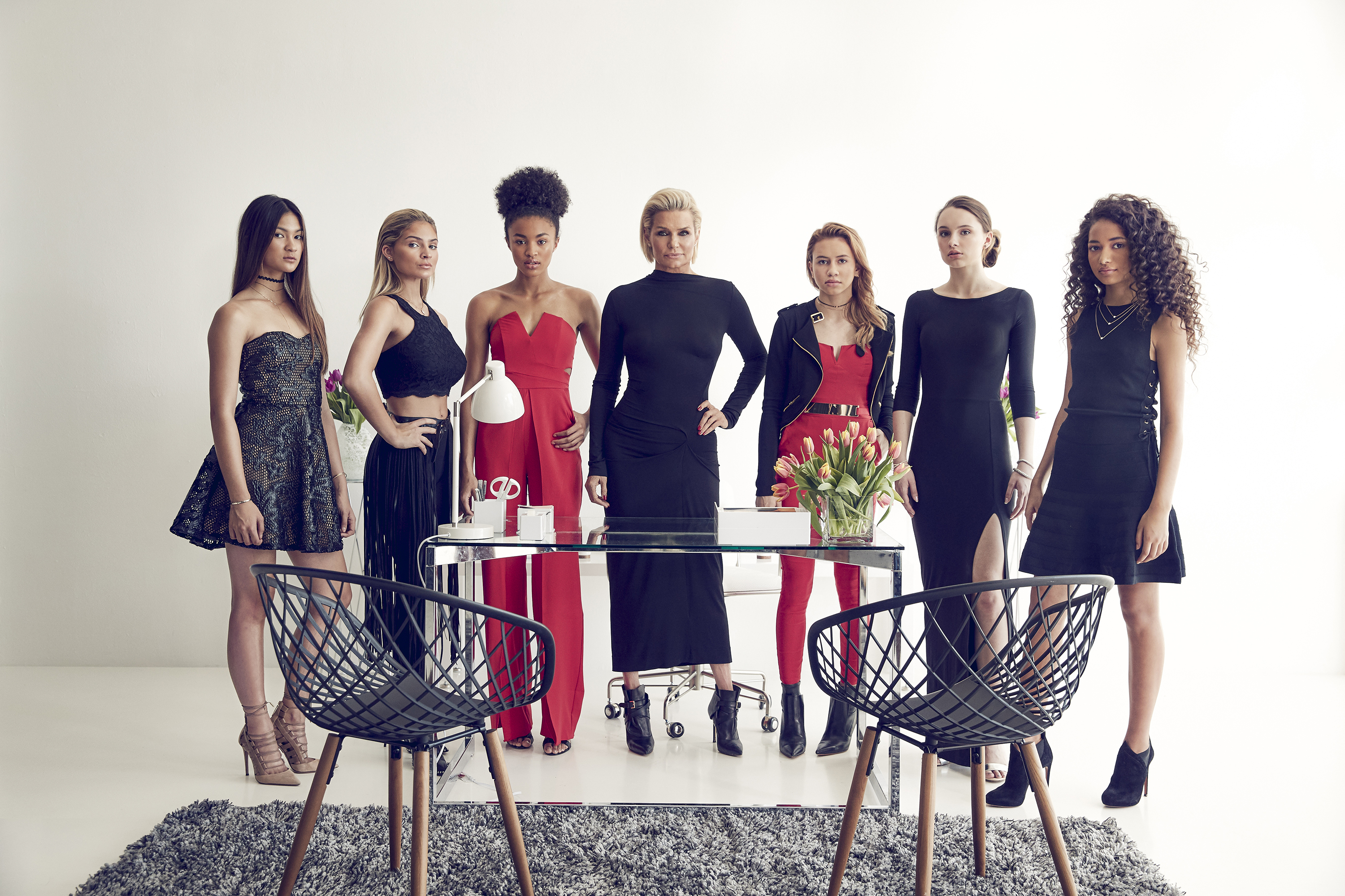 Yolanda Hadid (centre) with the cast of Making a Model