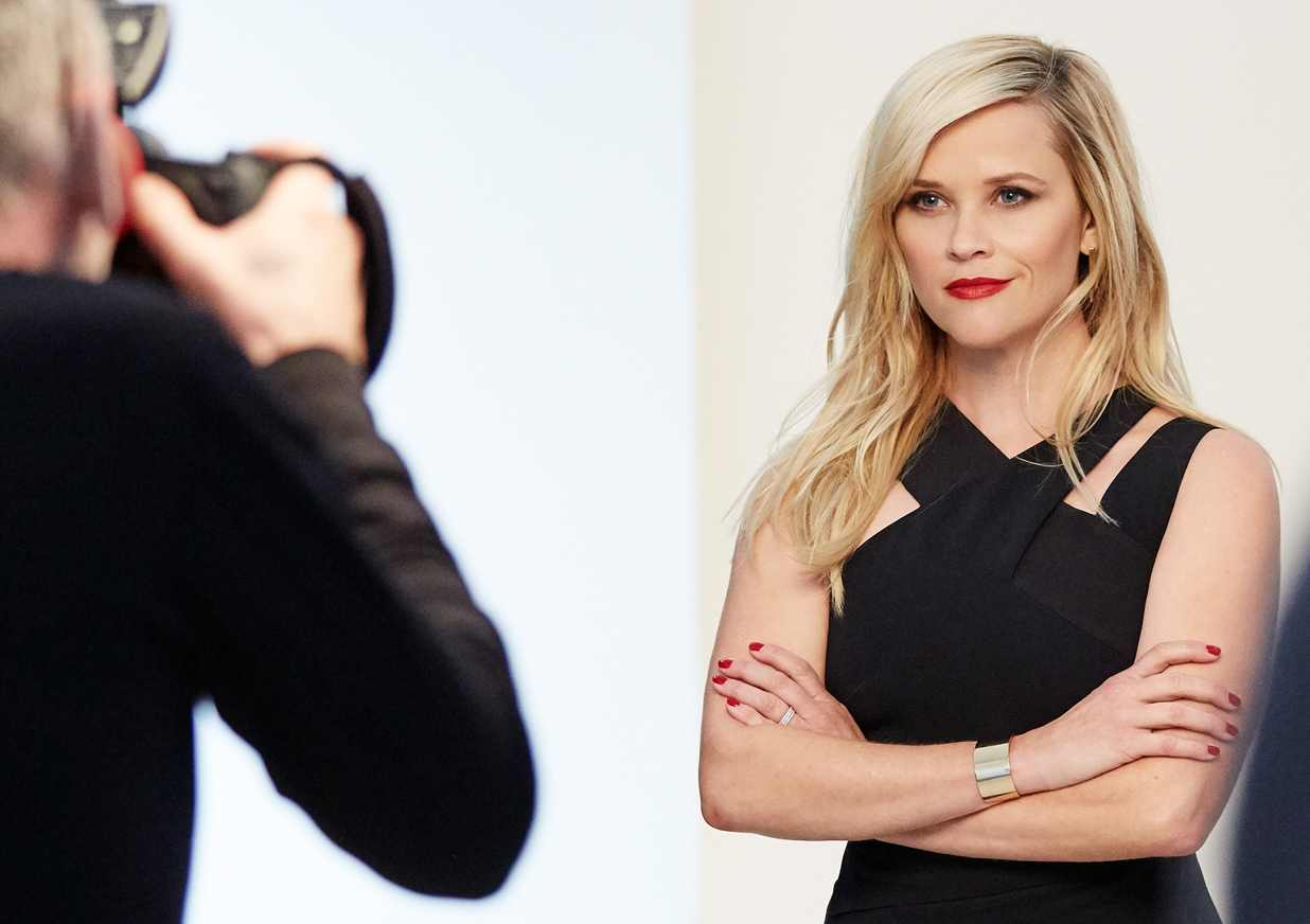 Reese Witherspoon wearing the limited edition Red Door Red lipstick from Elizabeth Arden