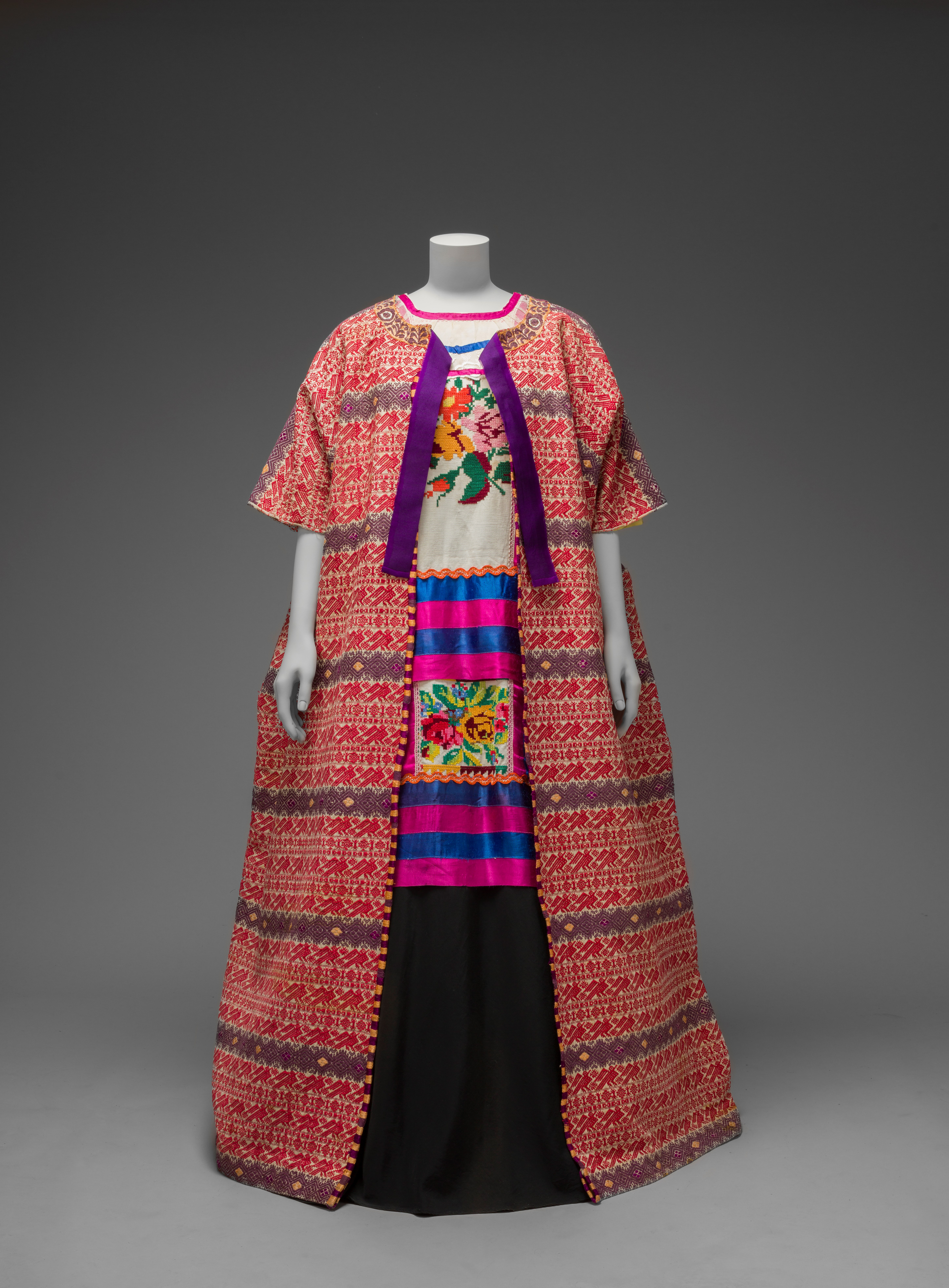Guatemalan cotton coat (Diego Rivera and Frida Kahlo Archives, Banco de México, Fiduciary of the Trust of the Diego Riviera and Frida Kahlo Museums)
