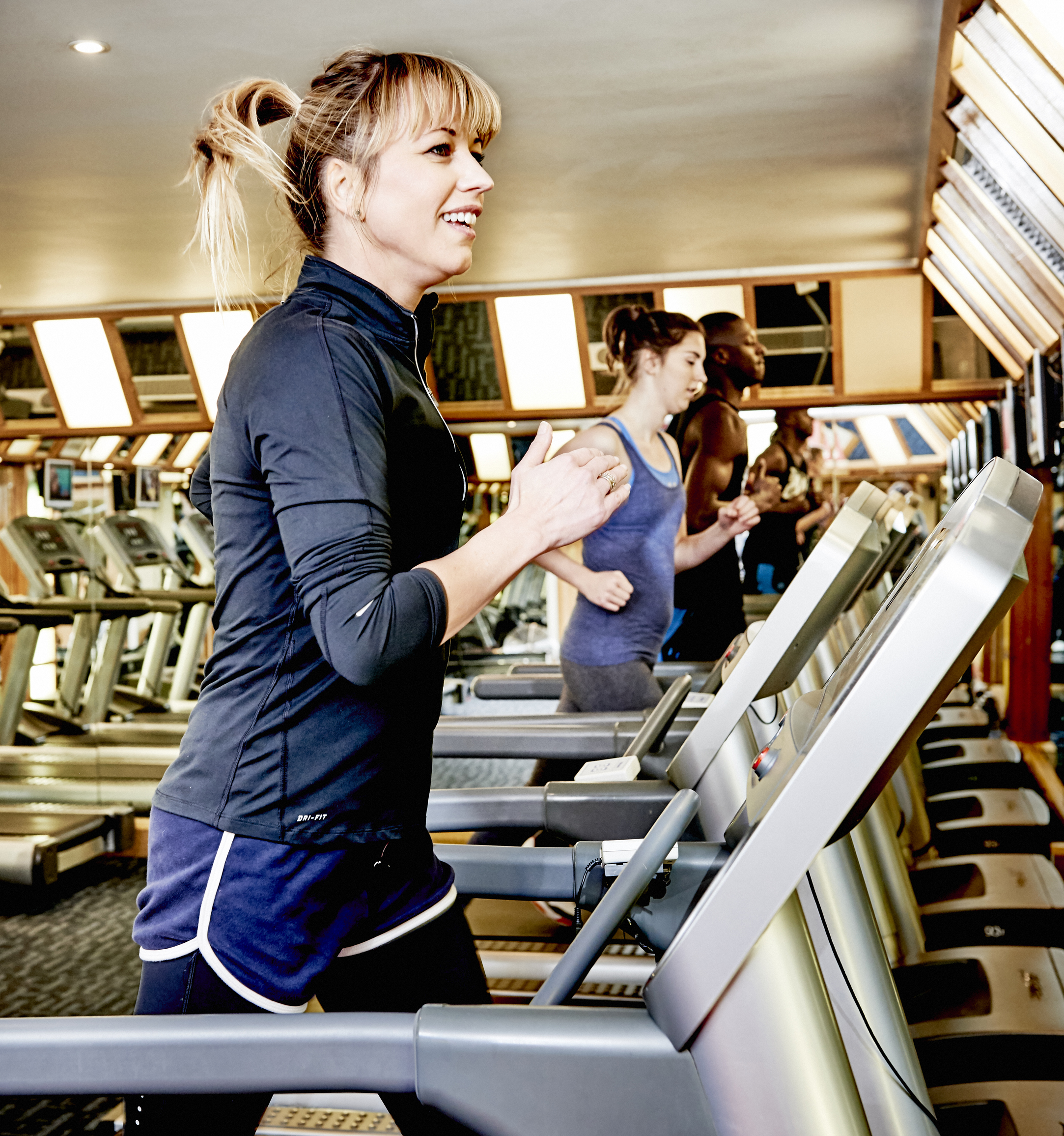 Sara Cox working out (ACUVUE/PA)