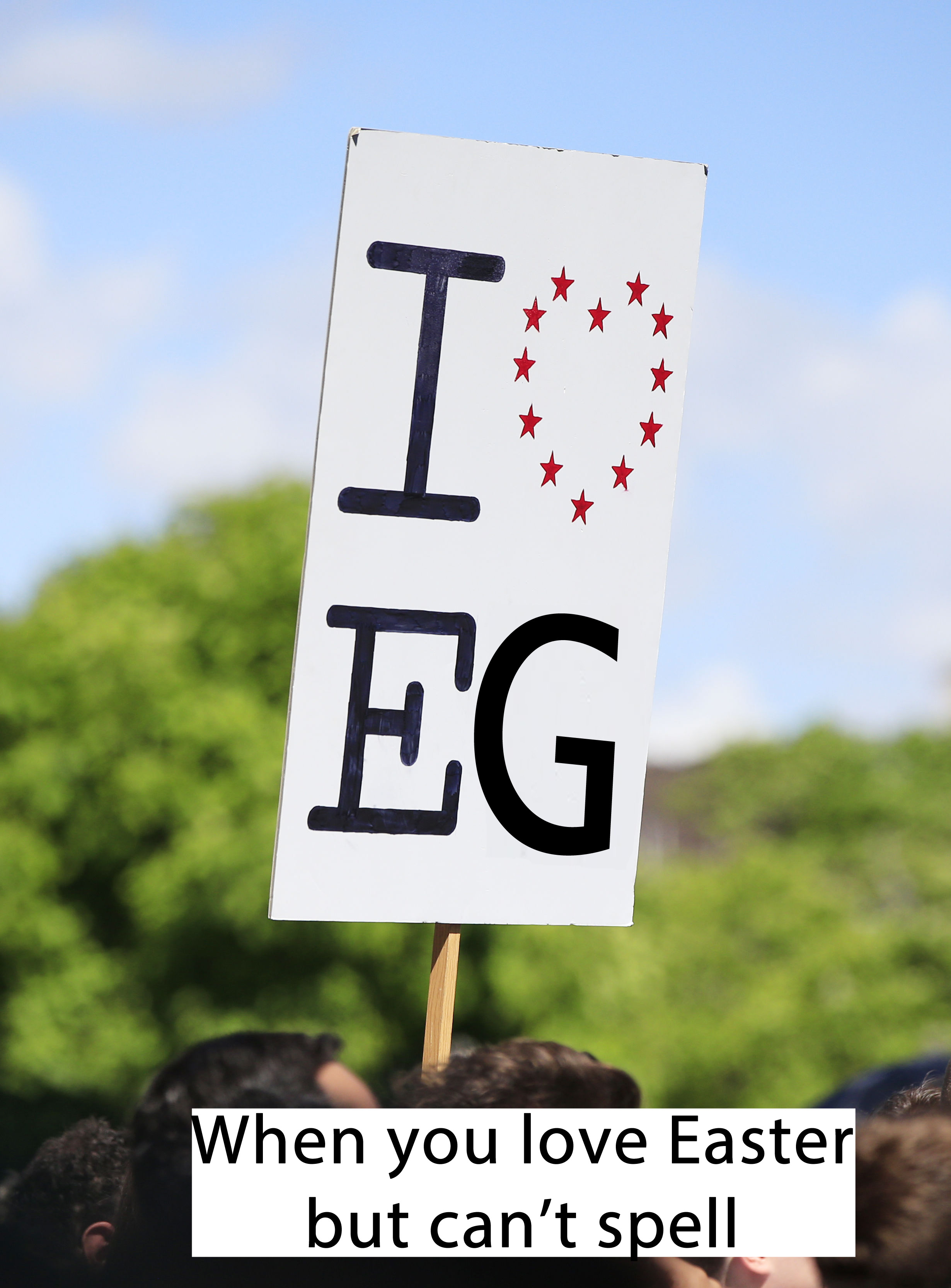 A sign reading 'I heart Eg'