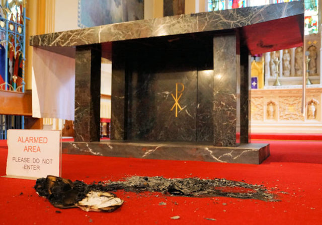 The desecrated altar and sanctuary at St Mary's  church in Great Yarmouth. (Keith Morris/ PA)