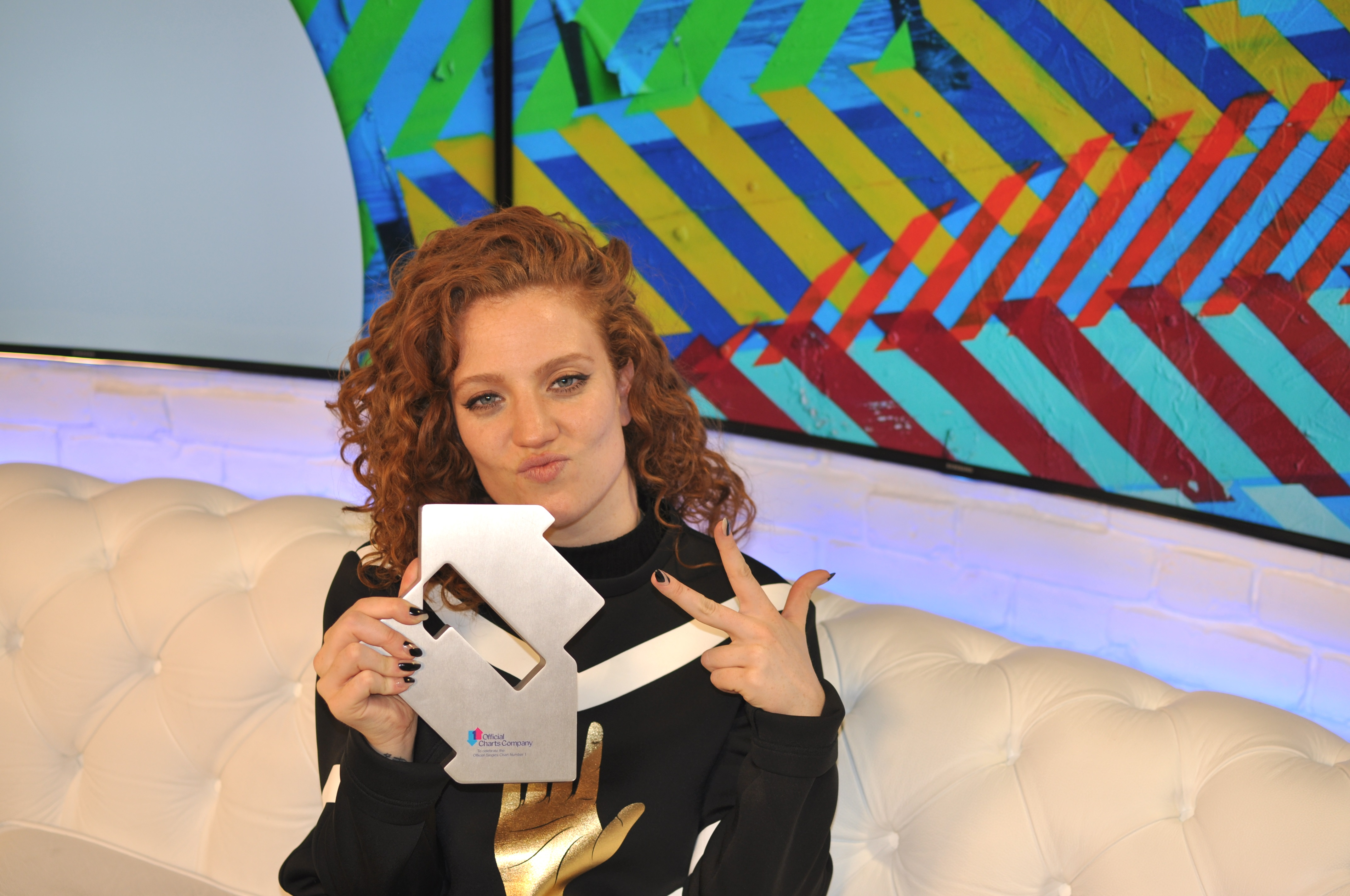Jess Glynne has broken a charts record (Official Charts)