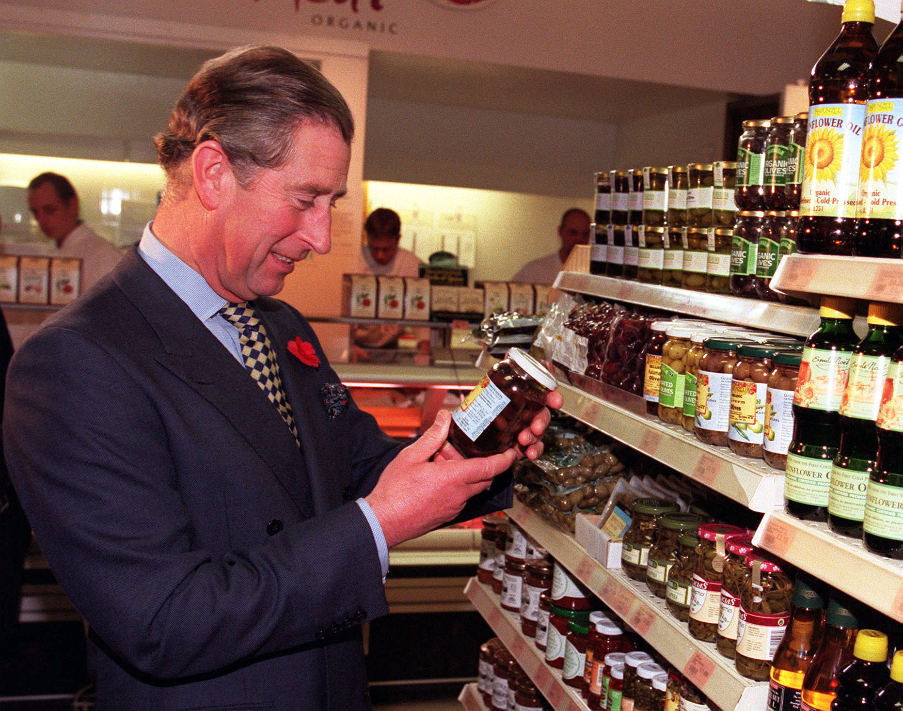 he Prince of Wales, went on a shopping expedition to an organic supermarket, in central London, where he chose a brand of organic olives, surprising staff and customers with an unannounced visit. * Prince Charles, a longtime proponent of natural foods, spent almost an hour walking around Britain's biggest organic food shop, Planet Organic, in Notting Hill. PA