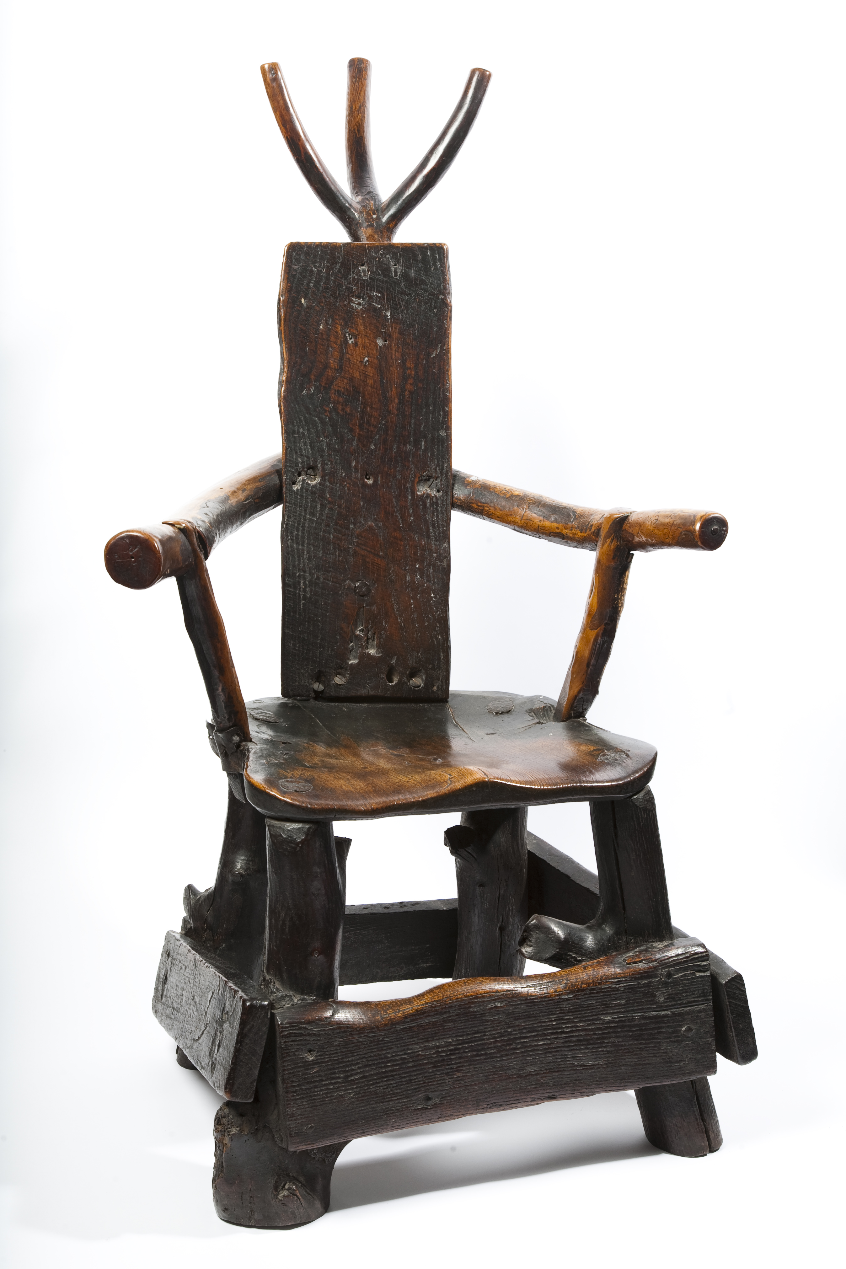 19th century barber-surgeon chair (British Dental Association Museum)