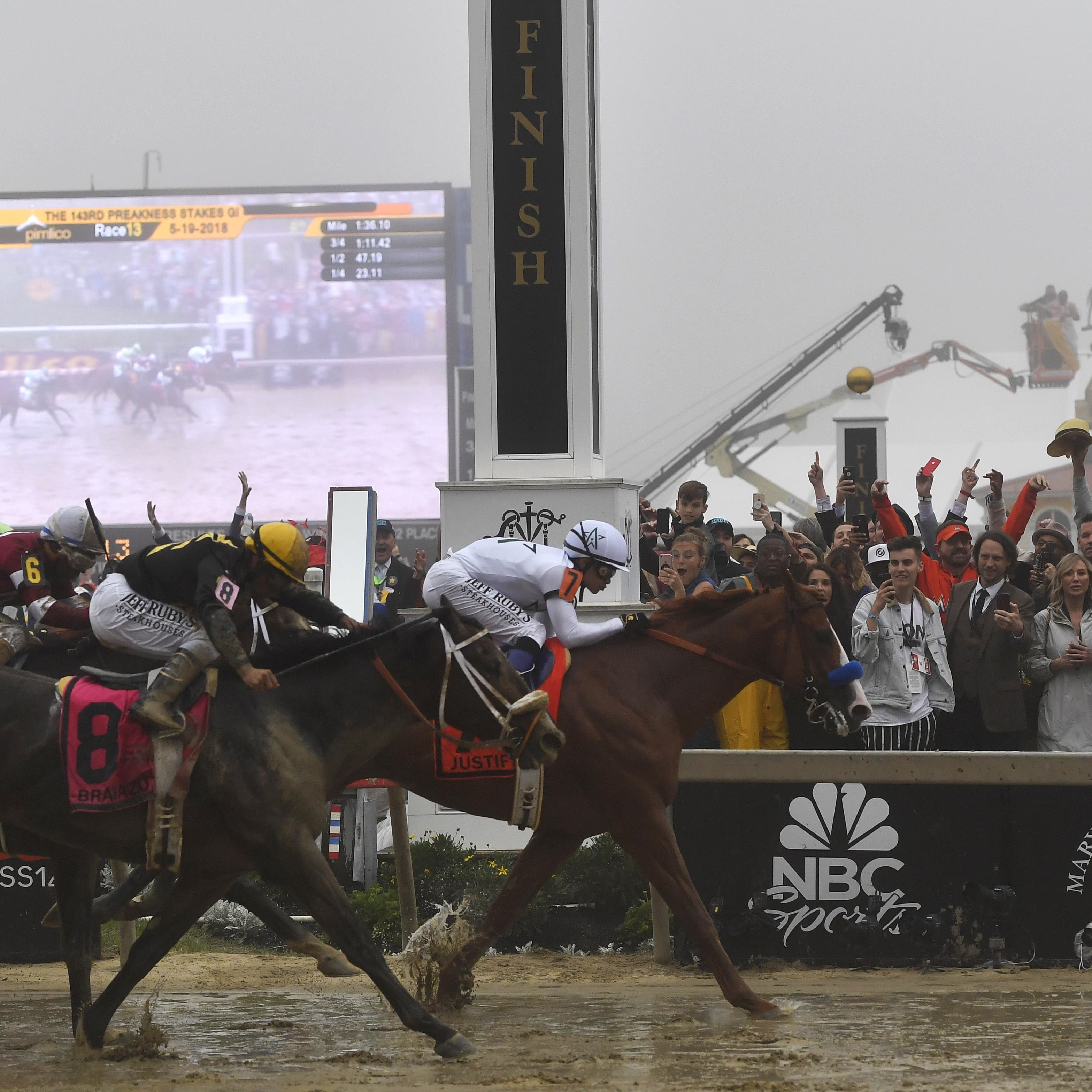 Justify wins the Preakness Stakes (Mike Stewart/AP)
