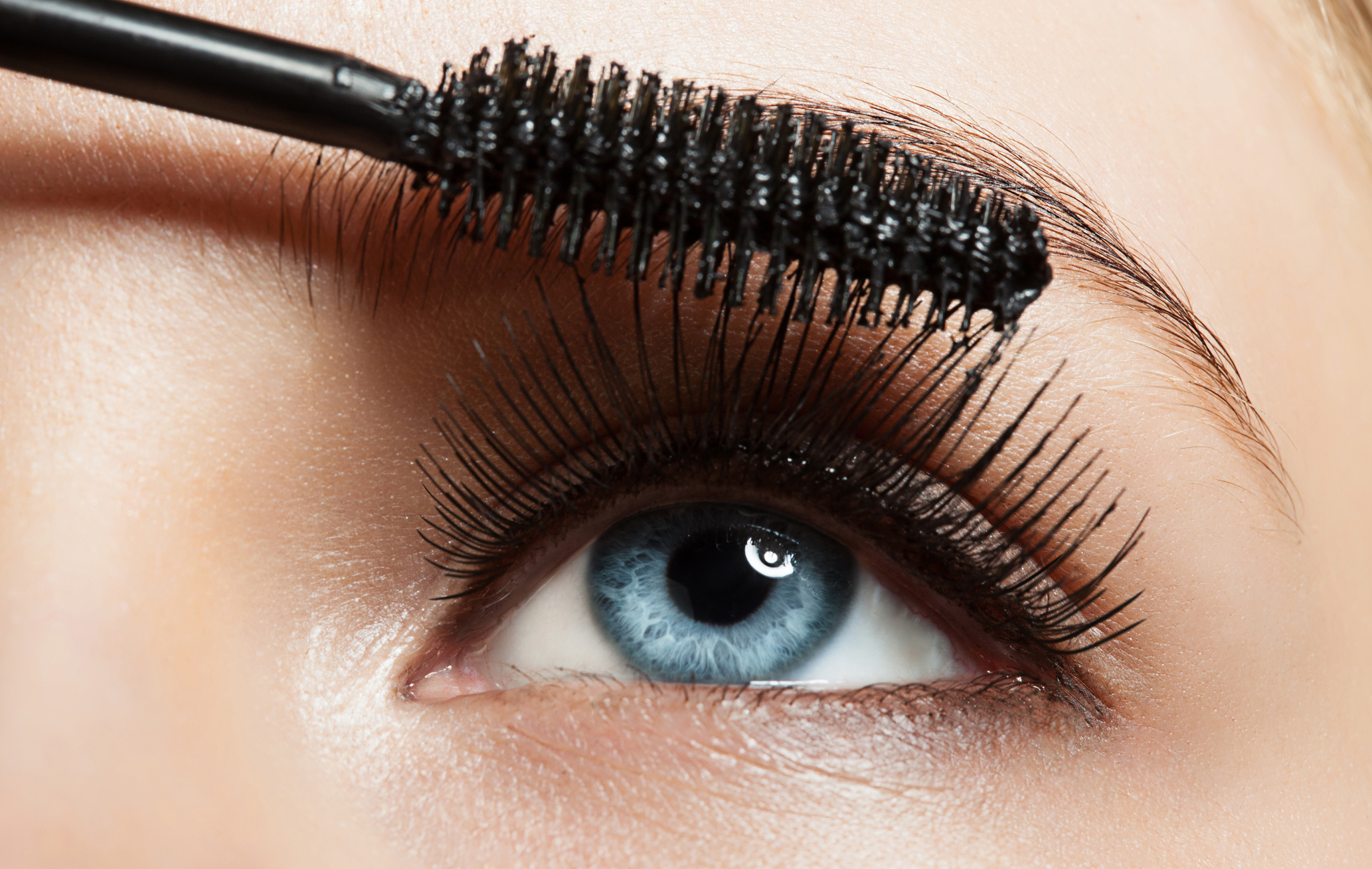 7 Ways To Make Small Eyes Look Bigger According To A Make Up Artist