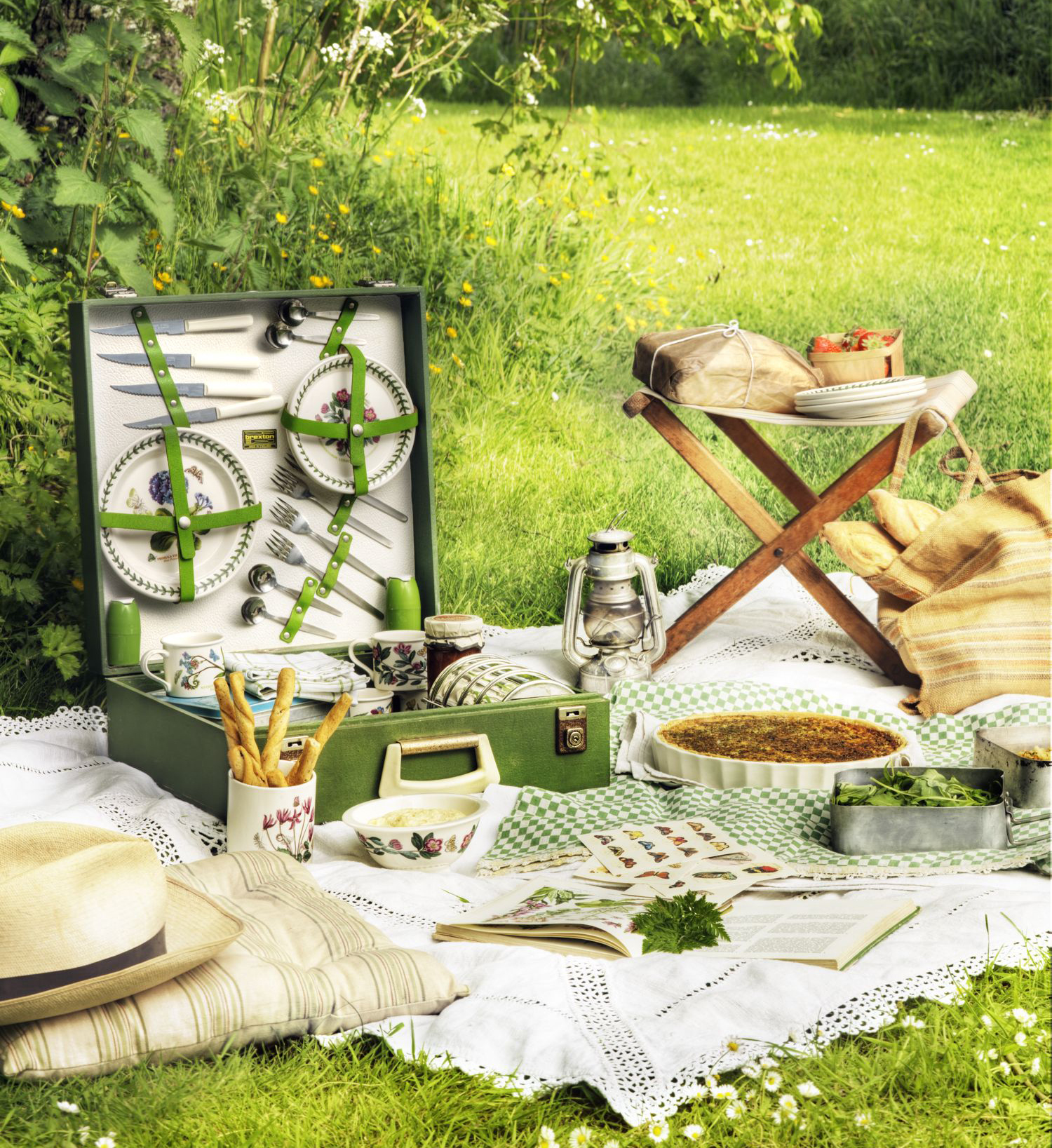 Portmeirion Botanic Garden tableware in picnic setting