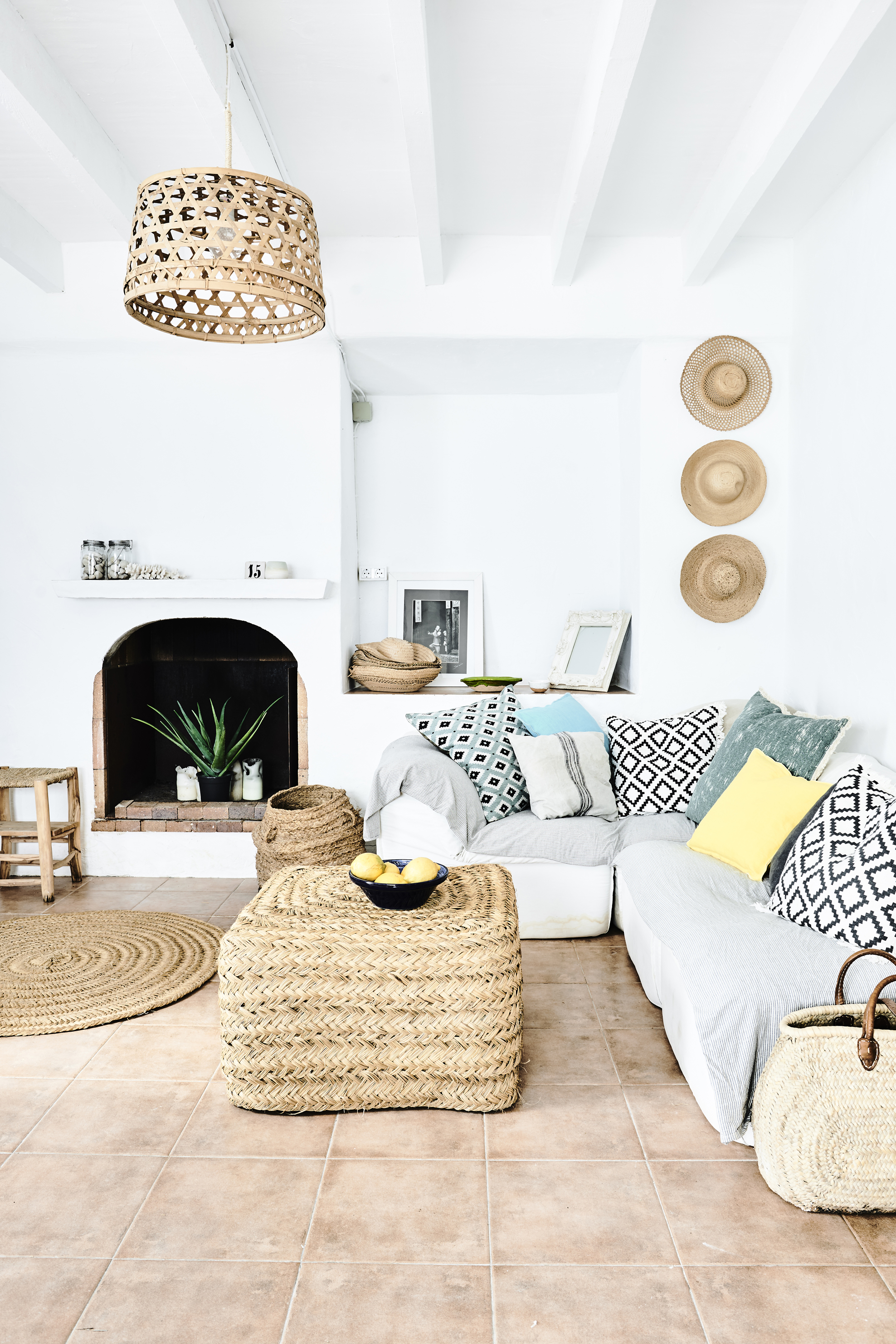 have an endless summer with these 35 beach house decor ideas home decor Soft sand colours and natural textures star in a home featured in Relaxed  Coastal Style by Sally Denning (Benjamin Edwards-Ryland Peters u0026 Small-PA)
