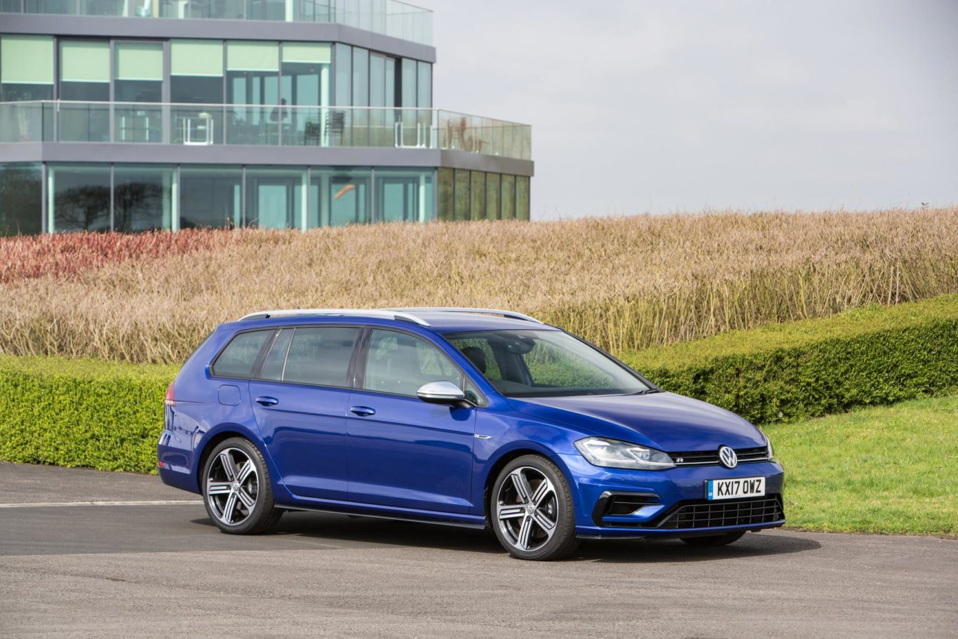 Golf R Estate >> Volkswagen S Golf R Estate Is A Great Combination Of Pace