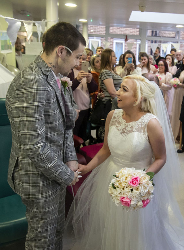 Video Groom Gets His Dying Wish To Marry His Bride As They Both