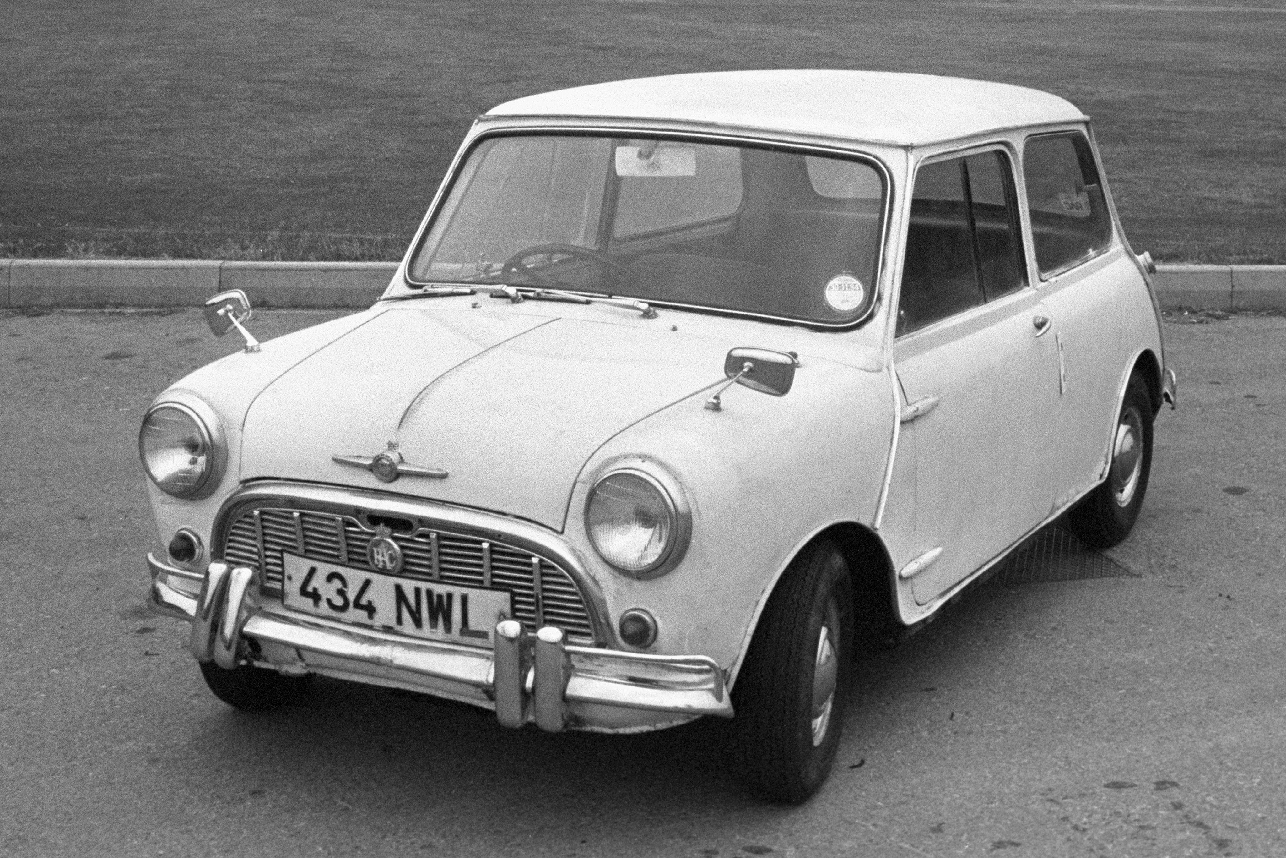 The Mini At 60 British Motorings Accidental Icon Lifestyle From