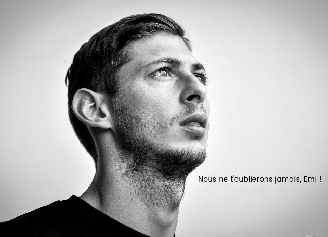 Nantes changed the landing page of their website to this photo of Emiliano Sala (FC Nantes)