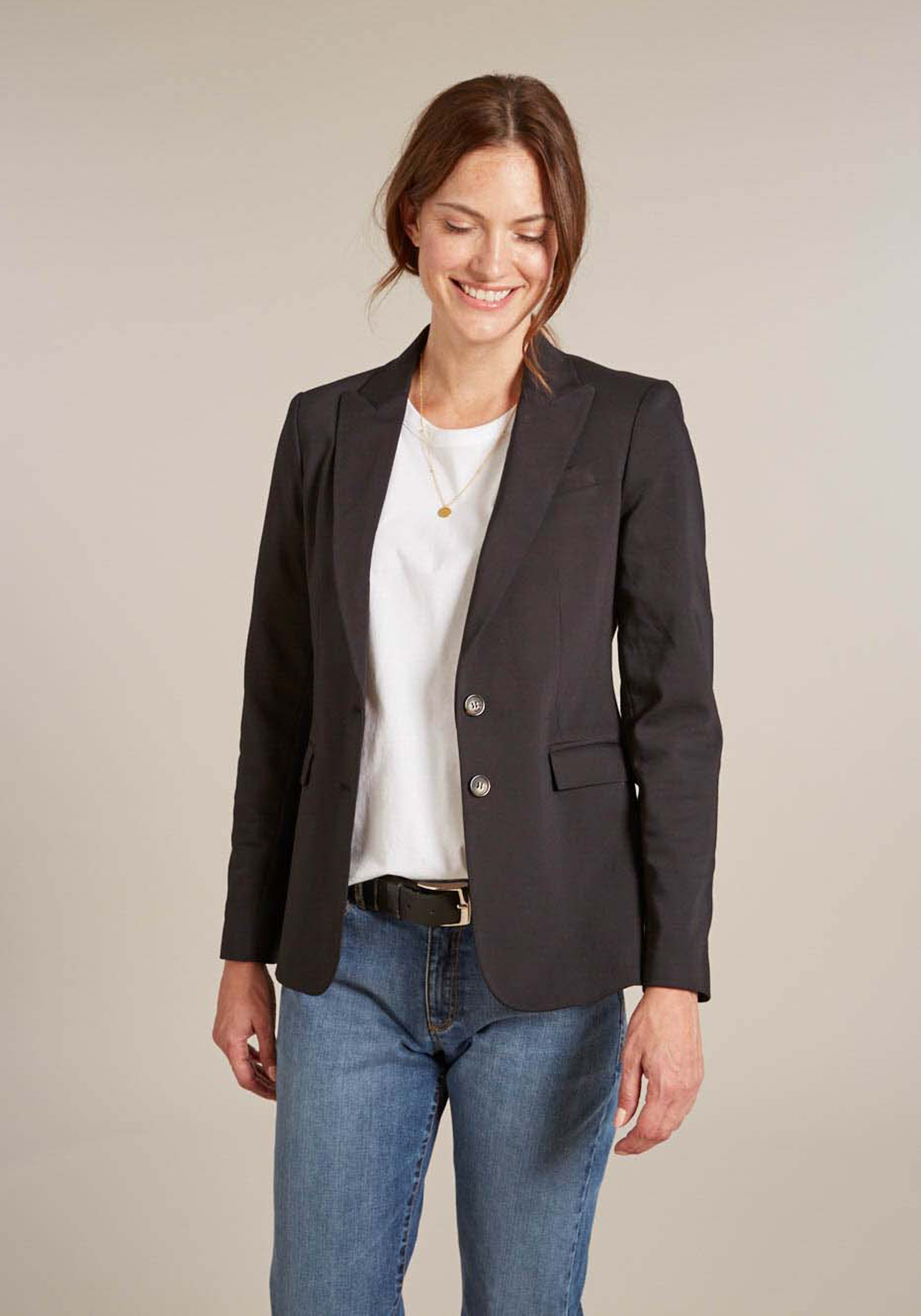 Isabella Oliver Ava Tailored Blazer