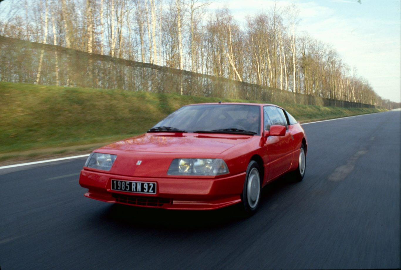 The Alpine GTA was a facelifted and modernised version of the old Alpine A310