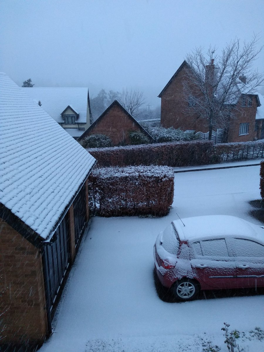 Snow in South Wales on April 4 2019