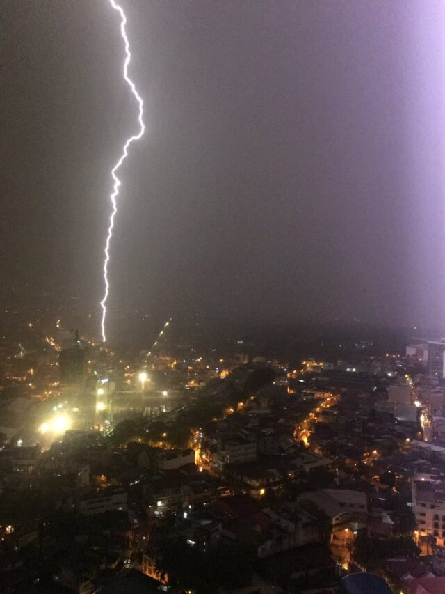 The lightning bolt strike in Mandaluyong, Philippines (Nathan Daniel Sison/PA)